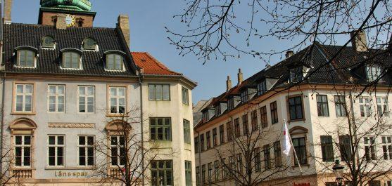 Jeg glæder mig til at fortælle jer om en dejlig ejendomsservice i København, som vi benytter os af i min bygning. Det er en virksomhed, som hedder Ren Agenterne og de har altså den her ejendomsservice